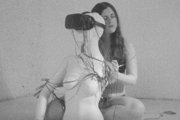 Corpoirreality - prikazna
